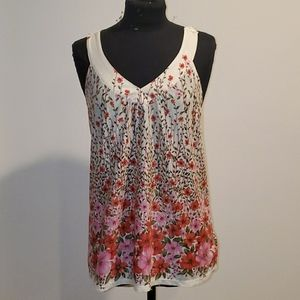Tops - Beautiful flower crochet top